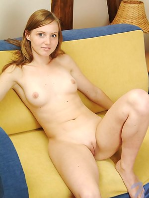 Nude Teen Shaved Pussy Porn Pictures