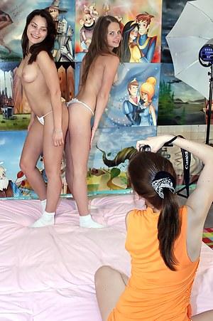 Nude Teen Bedroom Porn Pictures
