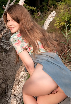 Nude Teen Upskirt Porn Pictures