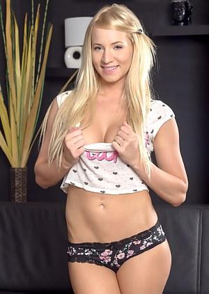 Nude Blonde Teen Porn Pictures