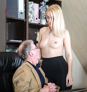 Nude Boss Porn Pictures