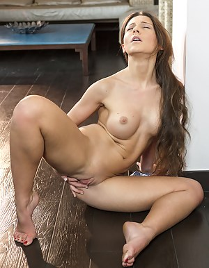 Nude Long Hair Teen Porn Pictures