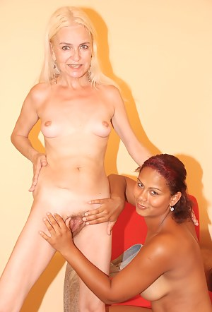 Nude Lesbian Teen Interracial Porn Pictures