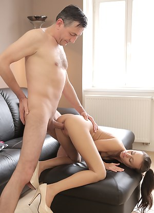 Nude Teen Doggystyle Porn Pictures